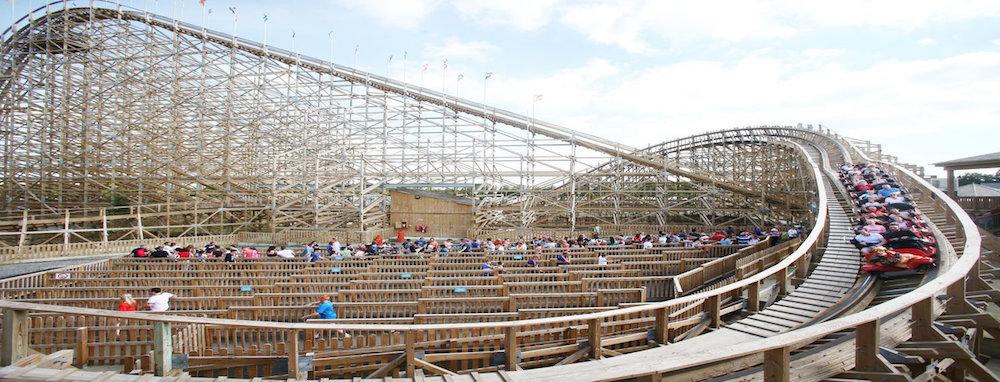 THE CÚ CHULAINN roller COASTER tayto park