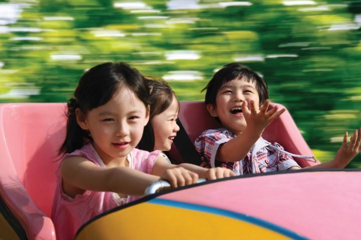 Omnico Barometer Malaysia Japan theme park visitors