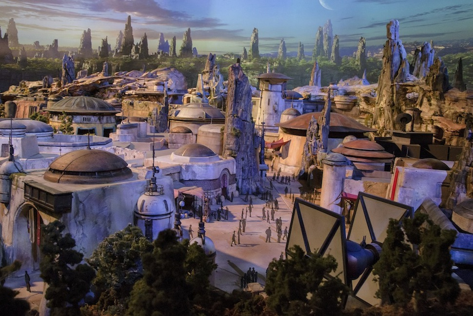STAR WARS-THEMED LAND MODEL Disney