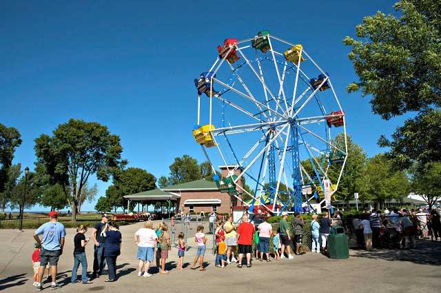 bay beach amusement park ferris wheel