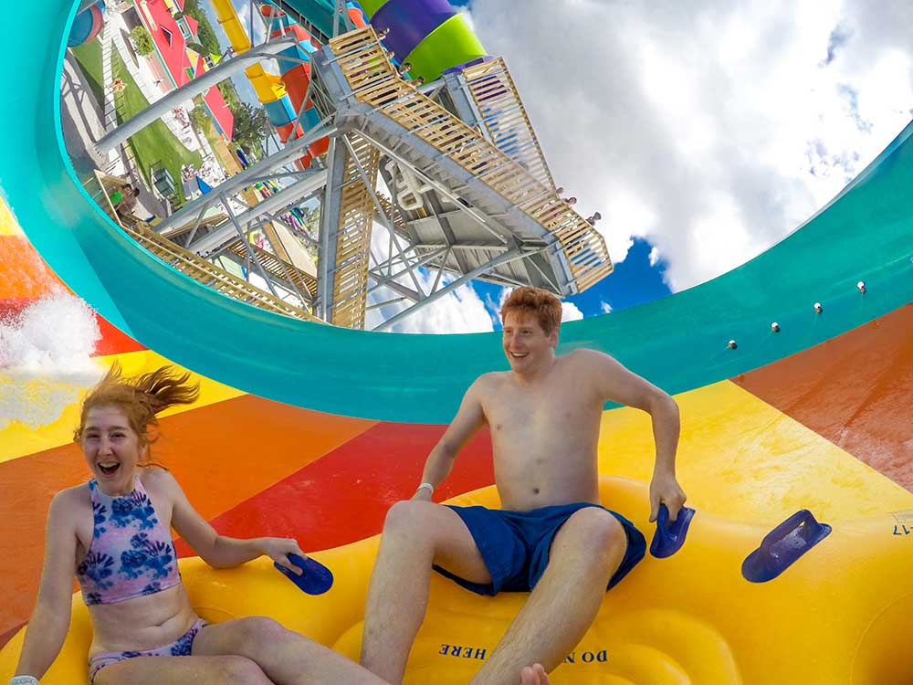 Wet'n'Wild slides family fun wetnwild toronto