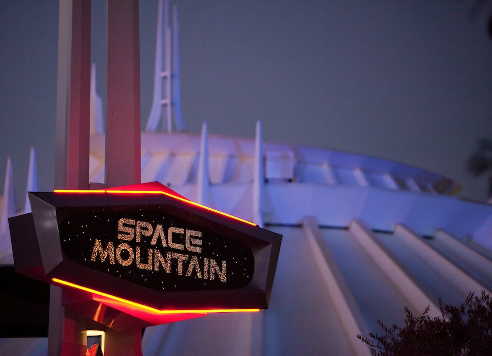 Space Mountain Disneyland Resort