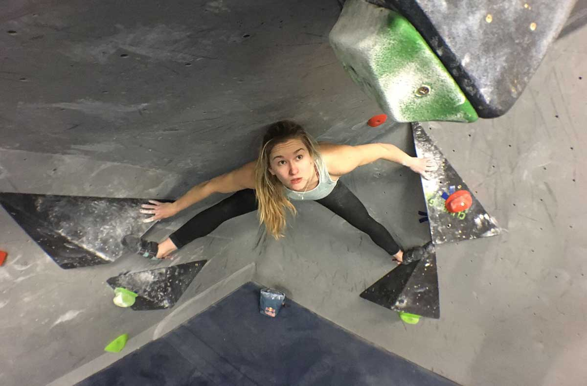Shauna Coxsey Clip 'n climb