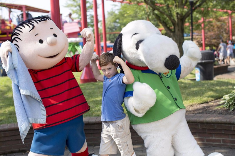 peanuts characters at cedar fair