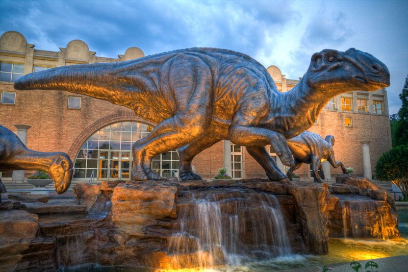 Dinosaur Plaza at fernbank museum of natural history (1)