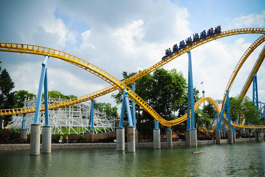 Skyrush rollercoaster at hersheypark hershey theme park (1)