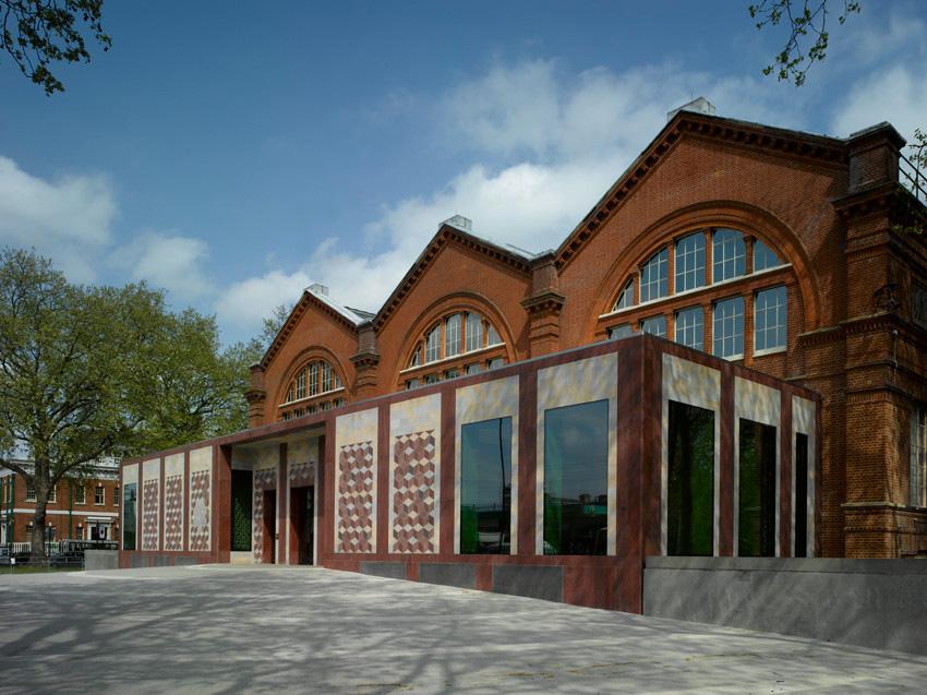 V&A museum of childhood front entrance