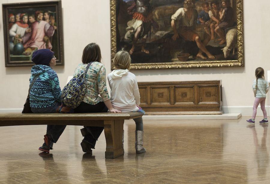 visitors at minneapolis institute of art