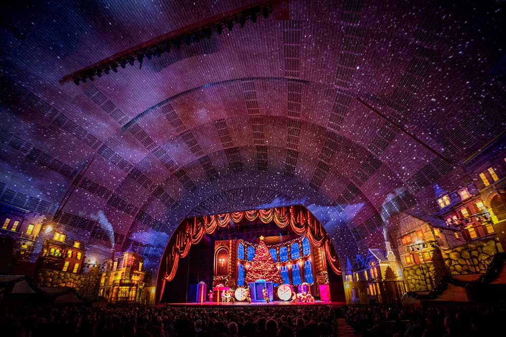 madison square garden radio city music hall obscura digital New York at Christmas spectacular hall