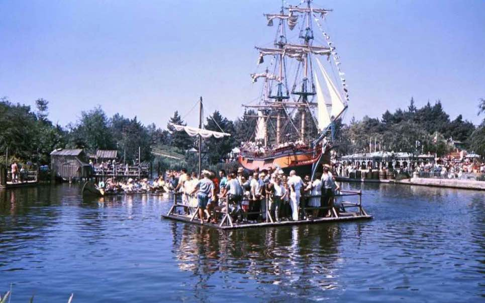 busy river disneyland tomorrowland a
