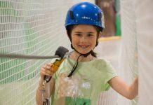 girl using kanopeo saferoller belay system