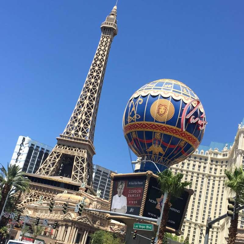 lreplica eiffel tower and balloon in las vegas