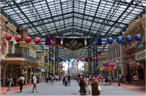 main street disney world kinetics theme park design