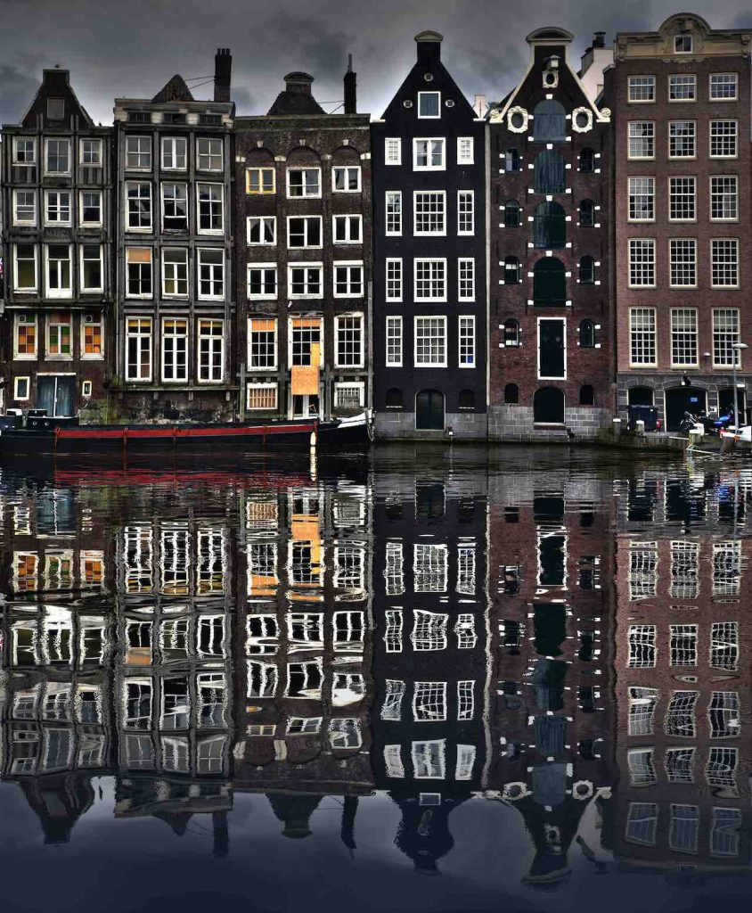amsterdam night reflection ise