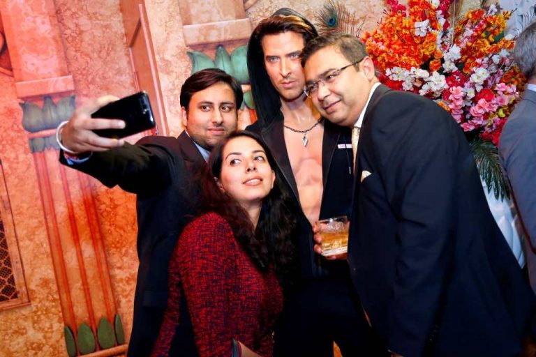 selfie at madame tussauds delhi india merlin entertainments