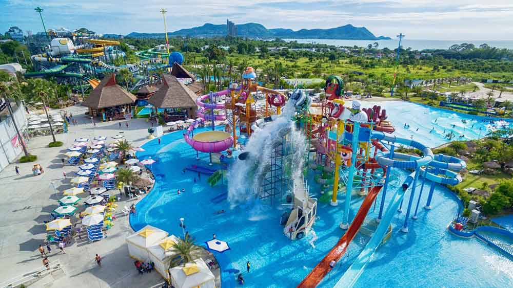 Cartoon Network Amazone world's first smartphone cashless waterpark