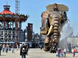 Giant elephant by les machines de l'ile