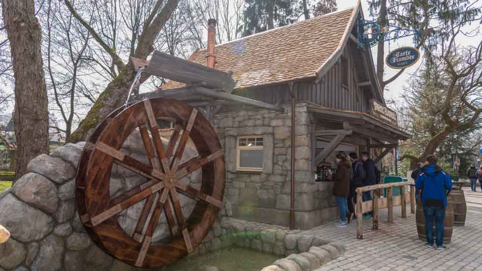 Tema Design by MK Illumination create Tarte Flambé Bakery Europa-Park