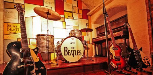 beatles story liverpool replica cavern