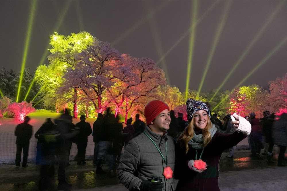 selfie couple morton-arboretum-illumination-seasonal-events illuminations