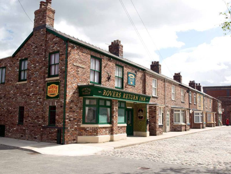 coronation street tours from continuum attractions