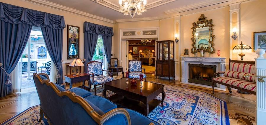 21 royal luxury experience vip disneyland