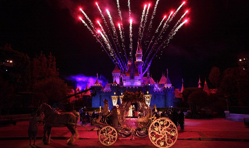 disney weddings sleeping_beauty_forecourt