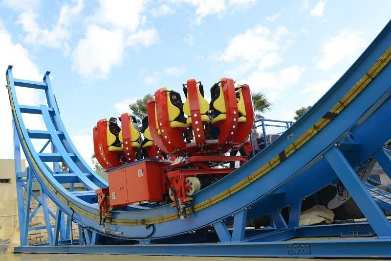 red spinning coaster at carthageland medina