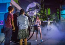 fans enjoy justice league attraction madame tussauds orlando