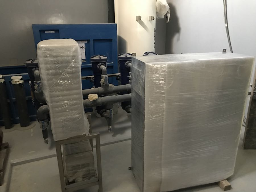 LSS Equipment being installed at oman aquarium