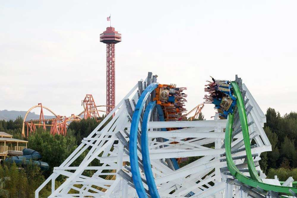 Six Flags magic Mountain Colossus