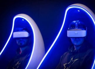immotion-VR-men-in-headsets
