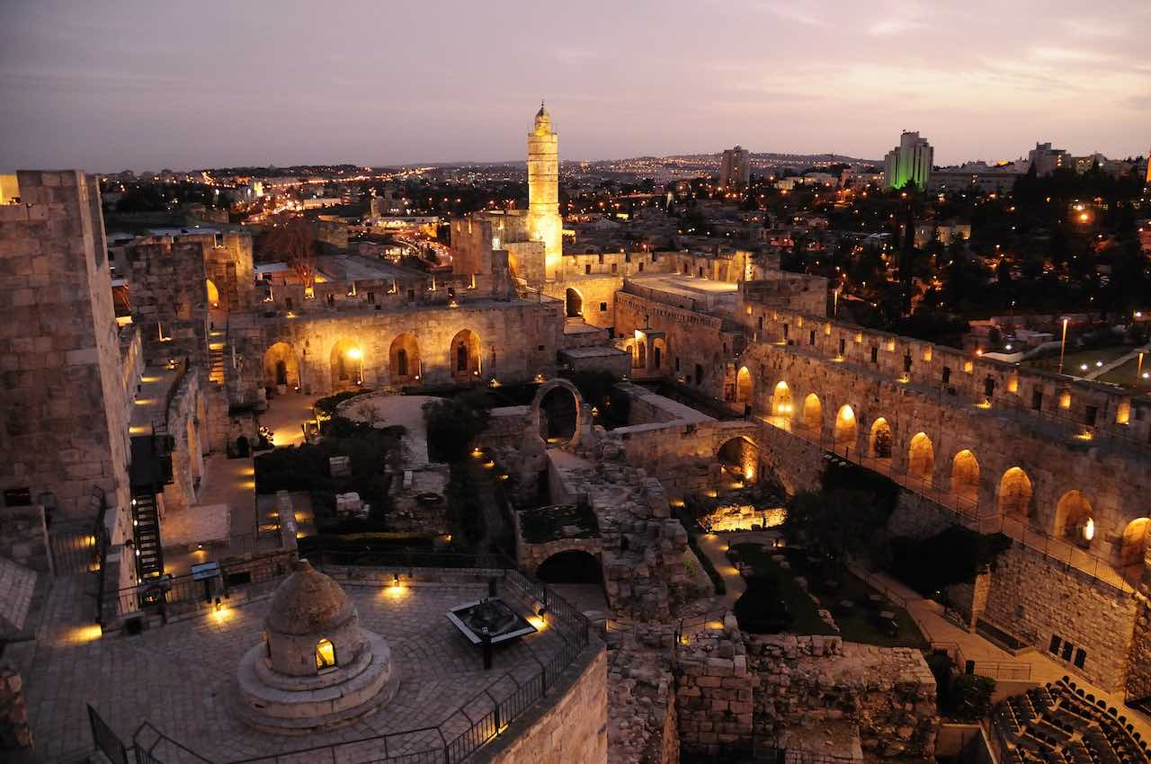 Dusk at the Citadel. tower of david museum. Naftali Hilger