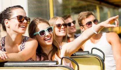 accesso tours and attractions, people with sunglasses on a vehicle