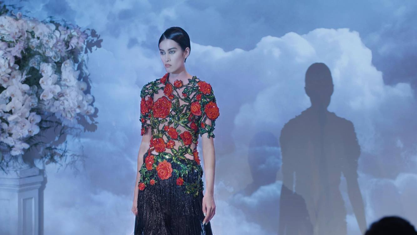 Richard Quinn fashion projection mapped by EPSON