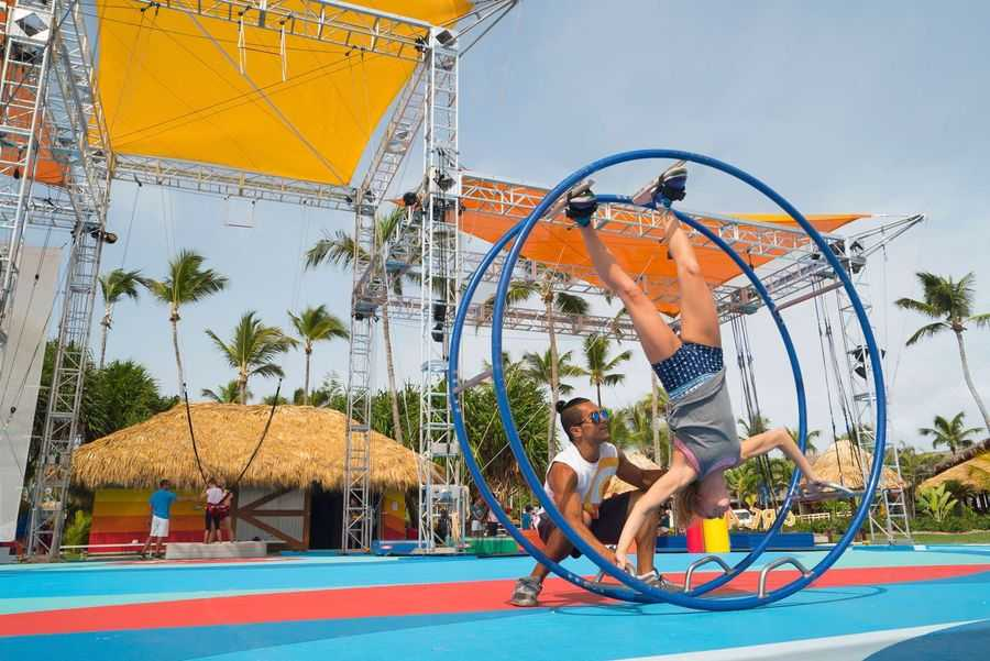CREACTIVE trainer with guest at Club Med Punta Cana