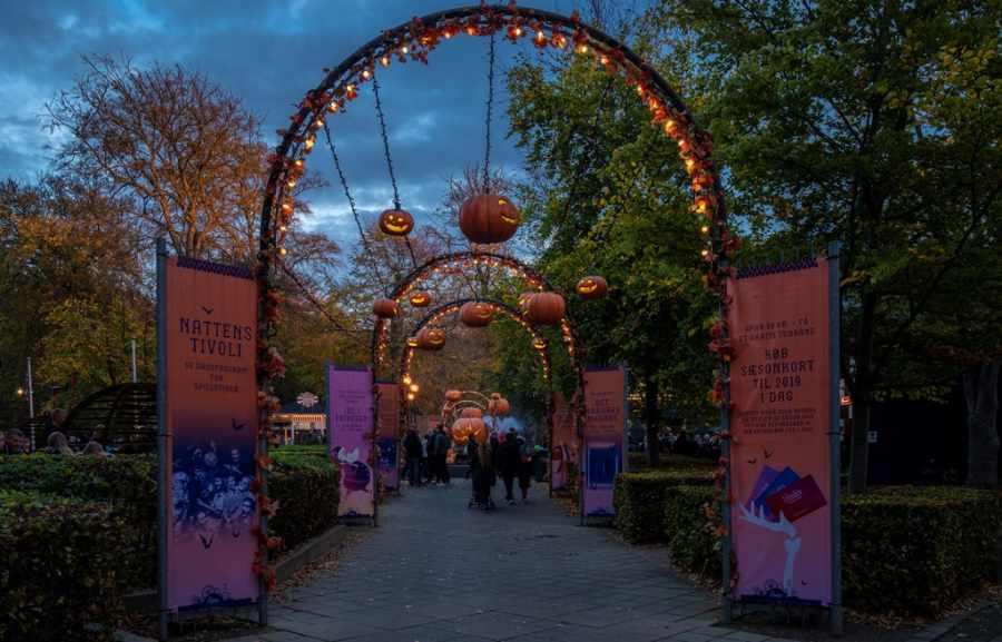 tivoli friheden entrance halloween