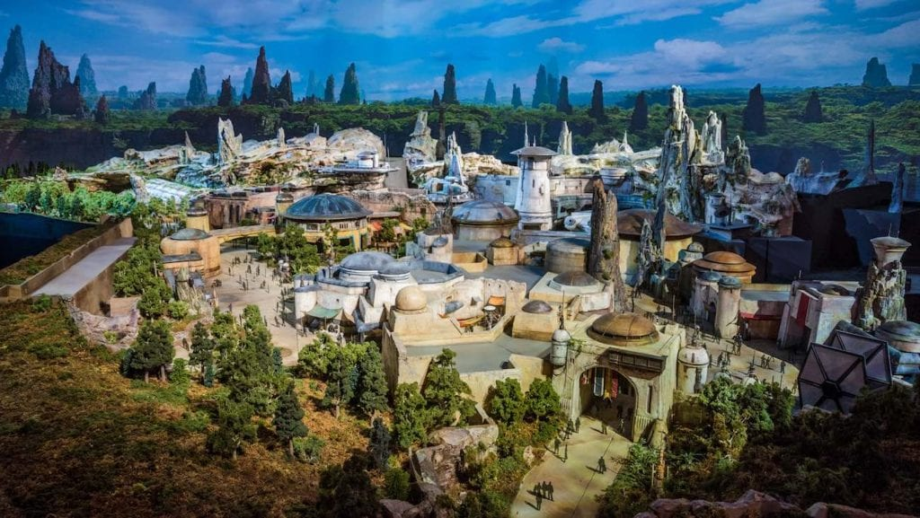 Opening day Star Wars Galaxys Edge disneyland.