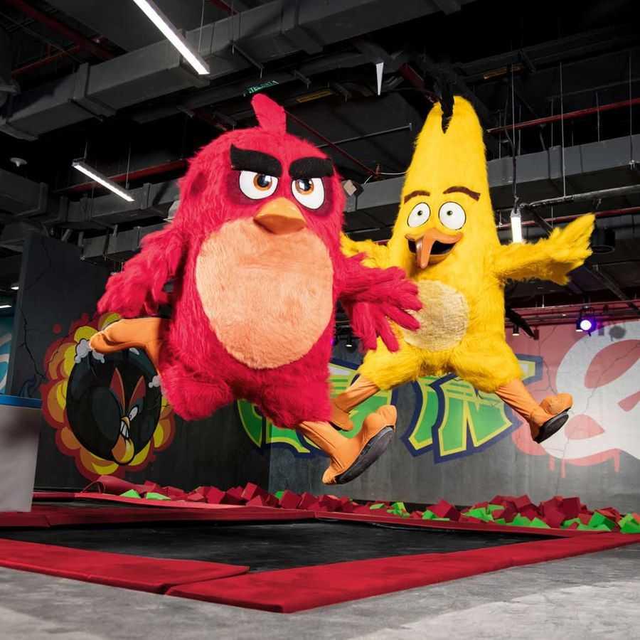 Rovio-Angry-Birds_World_Qatar_Trampoline