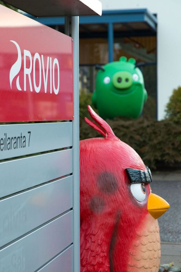 Rovio-Angry-Birds_office_outside