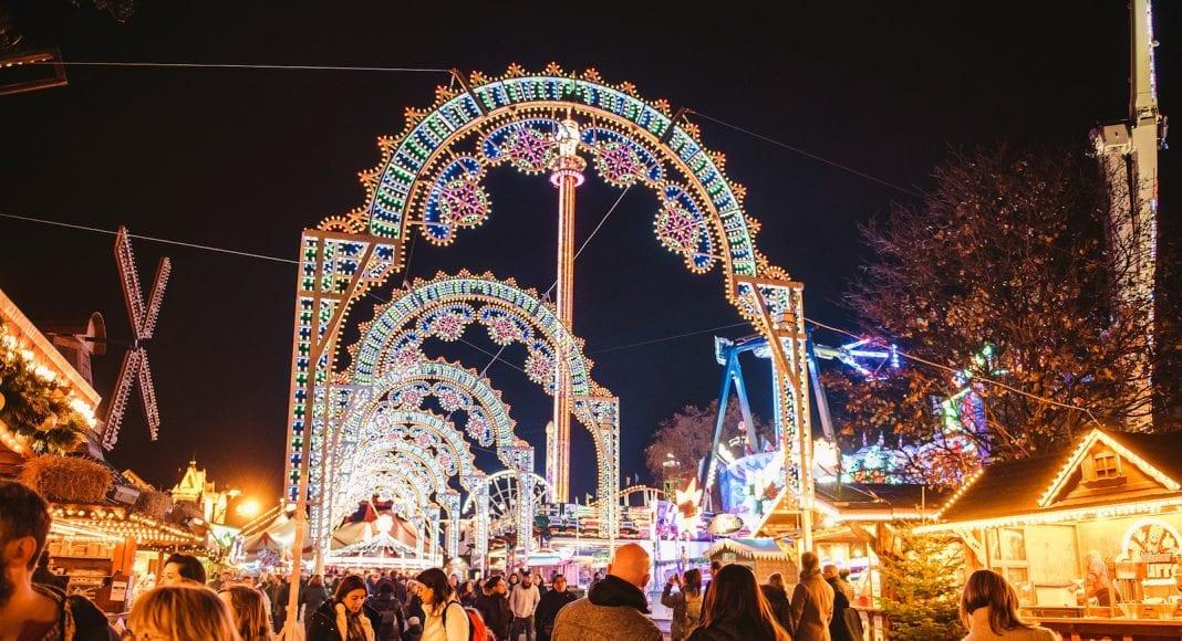 Hyde-Park-Winter-Wonderland-_Luminaries_arches
