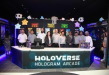 Holoverse-Hologram-Arcade-at-trade-show-11