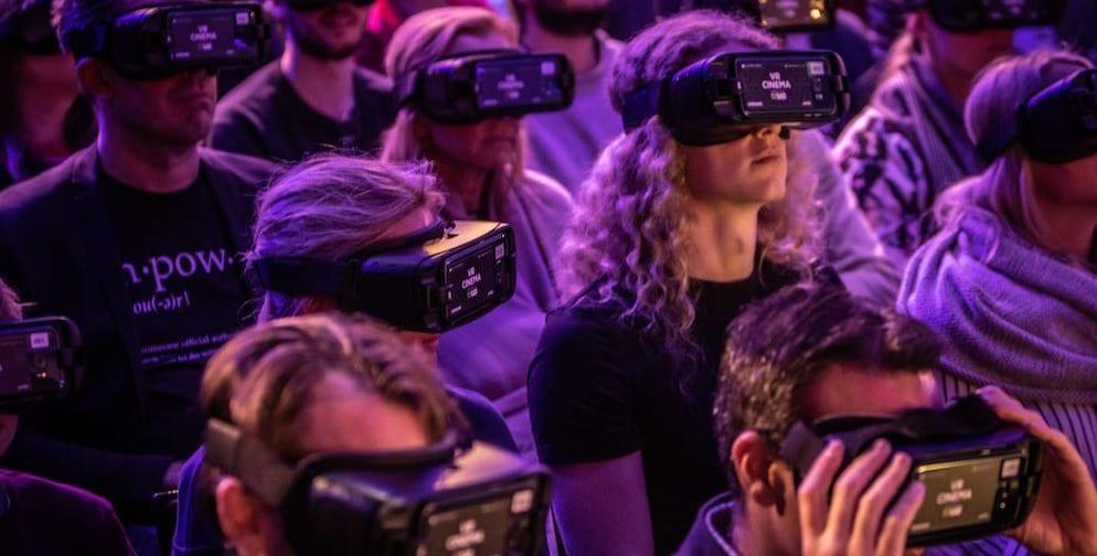 VR-Headsets-on-guests-at-AUREA-Awards-Mack-Media