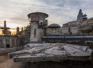 Millennium Falcon- Smugglers Run star wars galaxys edge disney