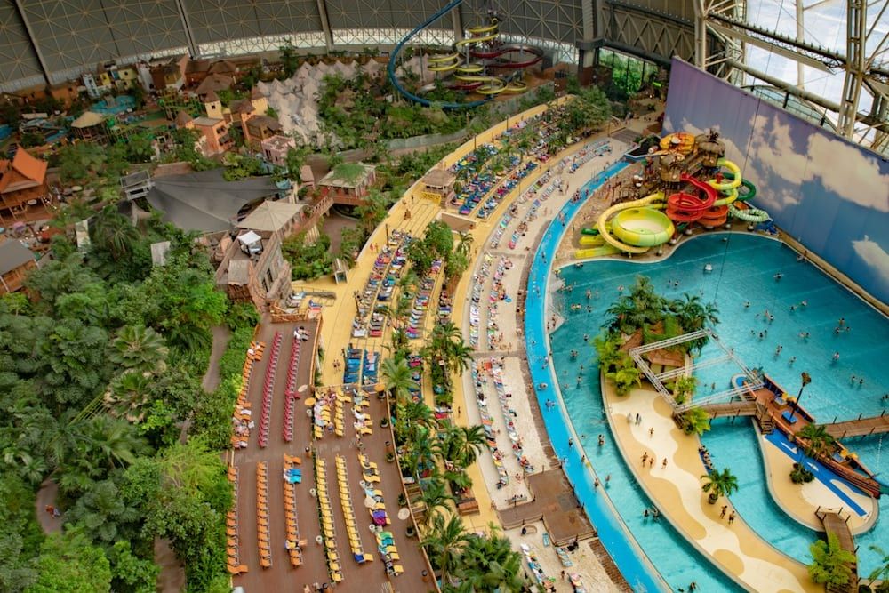 Tropical_Islands_Resort_Germany-Polin-water-play-structure-wide-view