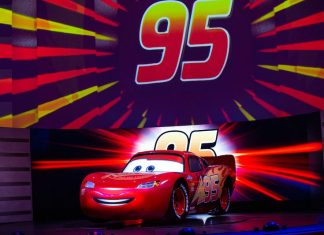 lightning mcqueen racing disney