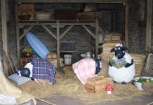 Shaun-the-Sheep-Farm-Garden-at-English-Garden-Rosa-Berry-in-Tawada-Japan_Barn_interior