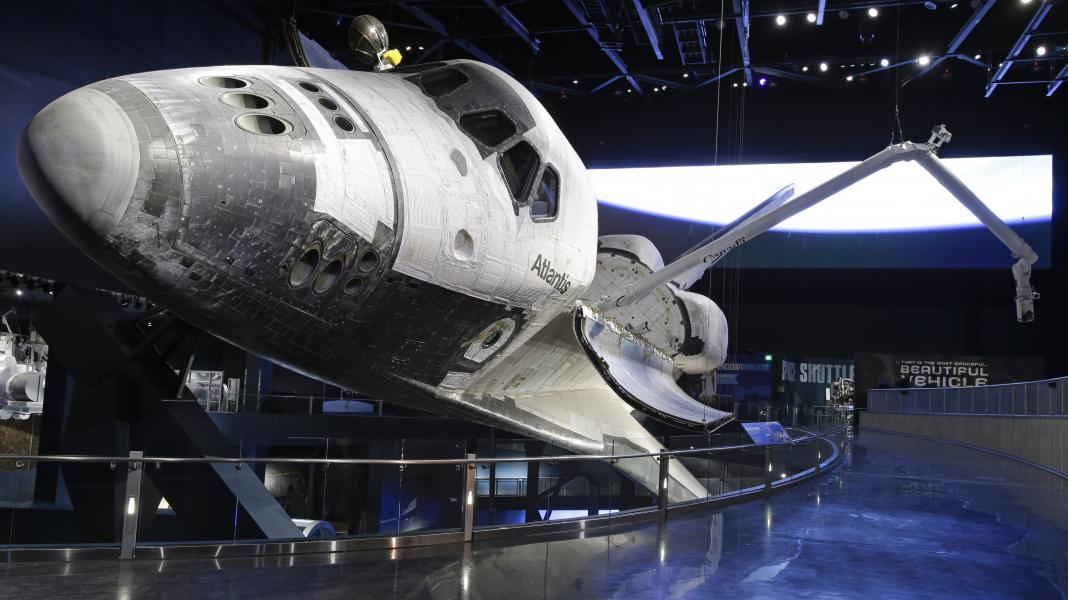 Space Shuttle Atlantis Companies of Nassal