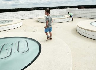 Lego-House-public-area-boy running around on roof