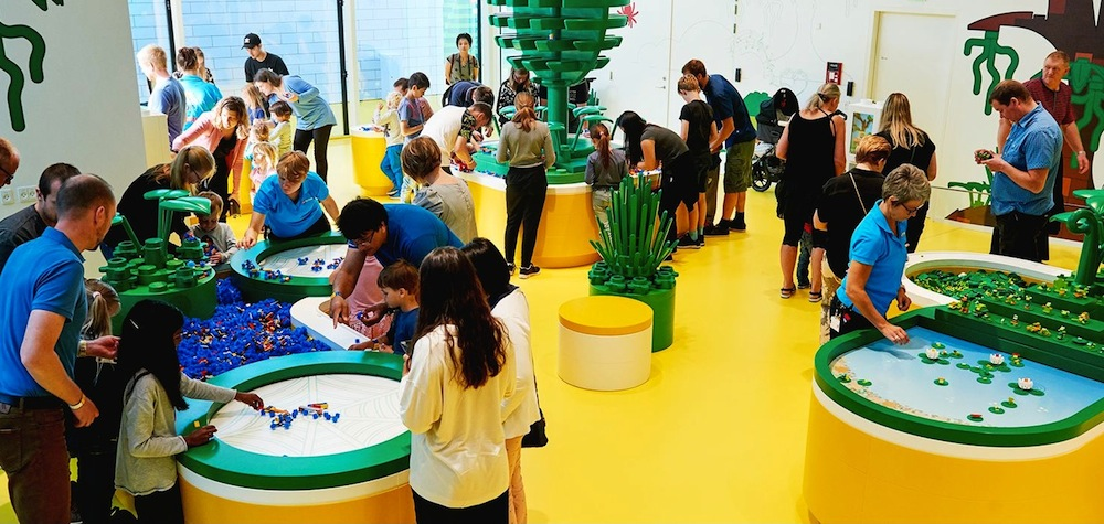 kids playing at Lego House